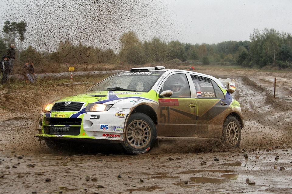 2009_Skoda_Fabia_WRC_Dennis_Kuipers-Kees_Hagman.jpg